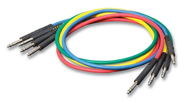 TT2YX -Switchcraft YELLOW Bantam Patchcord 0.6m/2ft